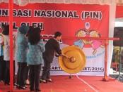 Ibu Negara Hj. Iriana Joko Widodo menandai pencanangan PIN 2016  - foto : Djoko Judiantoro/ Koranjuri.com