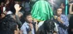Jenasah Terduga Teroris Yang Meninggal Pasca Ditangkap Pihak Aparat, Minggu Pagi Dimakamkan Oleh Keluarganya.