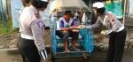 Aksi Simpatik Polantas Polres Purworejo Patut Diacungi Jempol