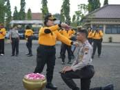 Ritual bimbingan tradisi ala Polres Purworejo bagi para brigadir remaja baru - Sujono/Koranjuri.com