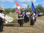Peserta parade budaya memperingati hari jadi Kabupaten Rote Ndao Ke-14 dilepas oleh Bupati Leonard Haning - foto: Isak Doris Faot/Koranjuri.com