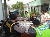 Puluhan sopir bis menjalani test urine di terminal Purworejo , Kamis (30/6) - foto: Sujono/Koranjuri.com