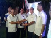 Penyerahan SK Pergantian Pengurus Partai Nasdem Bali secara serentak baik di DPW Nasdem Bali maupun DPD seluruh kabupaten dan kota di Bali - foto: Suyanto/Koranjuri.com