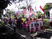 Suasana karnaval Desa Sumbersari, Kecamatan Banyuurip, Purworejo dalam memeriahkan peringatan HUT Kemerdekaan RI ke 71, Minggu (21/8) - foto: Sujono/Koranjuri.com