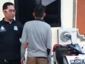 RA, remaja asal Bontang, Kalimantan Timur diamankan polisi lantaran menggondol sepeda motor yang diparkir pemiliknya - foto: Istimewa