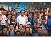 Angkat Trophy: Prestasi yang diraih siswa SMK PGRI 3 Denpasar - foto: repro