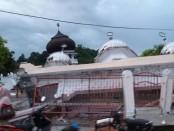 Sebuah bangunan Masjid rusak parah akibat gempa yang mengguncang Pidie, Rabu, 7 Desember 2016 sekitar pukul 05:00 wib - foto: Istimewa