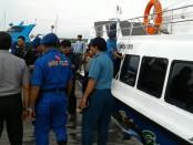 Patroli laut yang dilakukan Polair Polresta Denpasar jelang Natal dan Tahun Baru 2017. Sebanyak 3 unit kapal patroli dikerahkan untuk menyisir aktifitas perairan wisatawan di sepanjang perairan Pulau Serangan, Tanjung Benoa dan Kuta, Rabu, 21 Desember 2016 - foto: Suyanto