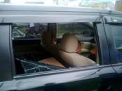 Mobil Nissan Grand Livina milik korban yang dibobol pencuri – foto: Sujono/Koranjuri.com
