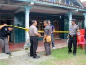 TKP kasus tewasnya Sutikno yang diduga kuat dibunuh rampok, Selasa (24/1) – foto: Sujono/Koranjuri.com