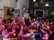 Suasana kunjungan anak-anak TK se Kecamatan, Adimulyo ke polres Kebumen - foto: Sujono/Koranjuri.com