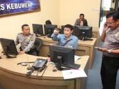Ruang kendali Command Center Smile Police Polres Kebumen – foto: Sujono/Koranjuri.com