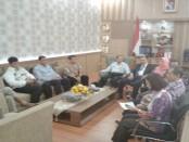 Pansel calon Sekda Purworejo saat memberikan keterangan di hadapan para wartawan, Kamis (16/3) - foto: Sujono/Koranjuri.com