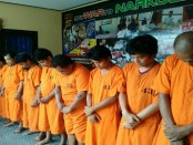 Para tersangka penyalahguna narkoba digelandang di Polresta Denpasar - foto: Istimewa