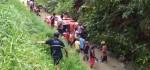 Mikro Bus Angkut Pelajar Terjun ke Sungai, Tak Ada Korban Jiwa