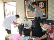 Para tahanan di Polres Kebumen jalani test HIV, Kamis (9/3) - foto: Sujono/Koranjuri.com
