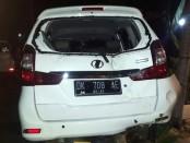 MPV warna putih yang digunakan korban saat dianiaya ketika tengah menjalankan kegiatannya sebagai driver taksi online di Seminyak  foto: Istimewa