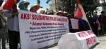 Aksi Solidaritas Massa Tolak Pabrik Semen Kendeng