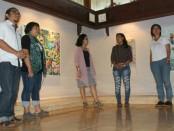 Sebanyak 14 orang seniman dari Perupa Perempuan Bali (PPB) menggelar pameran seni rupa 'Luwih Utamaning Luh' yang akan memamerkan 36 karya seni mulai Rabu, 31 Mei - 4 Juni 2017 di Gedung Kriya, Taman Budaya Bali, Denpasar - foto: Koranjuri.com