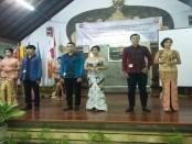Seleksi Duta Genre Mahasiswa IKIP PGRI Bali  yang akan maju ke tingkat Kota Denpasar. Mereka masing-masing pasangan masing-masing, Putu Wahyu Juniarta dan Ni Luh Riska Yundari di urutan pertama, Wenseslaus Ngampus dan Ayu Putu Dewanti P. di urutan kedua dan pasangan Kadek Bima Sena dan Wayan Henny Novianti di urutan ketiga - foto: Istimewa