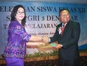 Penyerahan Lisensi oleh BNSP kepada SMK PGRI 3 Denpasar sebagai Lembaga Sertifikasi Profesi (LSP) di Bali - foto: Koranjuri.com
