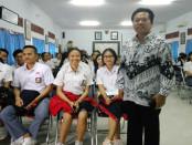 Kepala SMAN 1 Denpasar, I Nyoman Purnajaya - foto: Wahyu Siswadi/Koranjuri.com