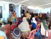 Suasana pasar murah dalam Program Safari Ramadhan PT KAI Daop 6 Yogyakarta, di Kecamatan Bagelen, Kamis (15/6) - foto: Sujono/Koranjuri.com