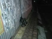 Sebuah tas ransel tak bertuan yang memicu kecurigaan warga. Tas ditemukan di Jalan Ratna Denpasar - foto: Istimewa