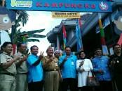 Drs Muh Wuryanto, MM, didampingi Erna Sulistiowati, MM dan Sukmo Widi H, SH, usai meresmikan Kampung KB Loano - foto: Sujono/Koranjuri.com
