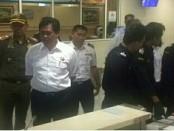 I Ketut Sudikerta saat melakukan Sidak di terminal kedatangan Internasional Bandara Ngurah Rai, Rabu, (6/9/2017) - foto: Istimewa