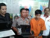 Pelaku pencurian kotak amal di Masjid Minhajul Anhfhal di Kompleks Wisma Bayu jalan Kediri No. 22, Kalurahan Tuban, Kabupaten Badung, Bali – foto: Istimewa