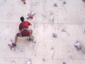 Latihan dari atlit panjat tebing Kabupaten Jembrana - foto: Koranjuri.com