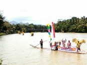 Parade Gethek Emas Bogowonto, menandai puncak Festival Bogowonto 2017 - foto: Sujono/Koranjuri.com