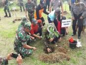 Aksi bersih lingkungan yang dilakukan 2000 personil TNI KOREM 163/WSA memperingati Hari Juang Kartika Ke-72 - foto: Istimewa