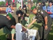 Pejabat teras Kodam IX/Udayana melakukan ziarah di Taman Makam Pahlawan Pancaka Tirta, Tabanan - foto: Istimewa