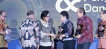 Eka Wiryastuti Terima Anugerah Dana Rakça Award 2017