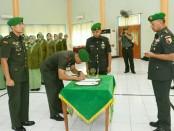 Jabatan Kodim 0830 Surabaya berpindah komando. Dari sebelumnya dijabat Letkol Arm Beny Hendra Suwardi diserahkan kepada Letkol Inf Wing Sandya Udayanto - foto: Istimewa