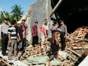 Bangunan milik SMK Muhammadiyah Sadang, Kabupaten Kebumen yang ambruk, Rabu (24/01) pagi - foto: Sujono/Koranjuri.com