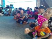 Pos pengungsian Gunung Agung di Banjar Desa Seloni, Desa Culik, Kecamatan Abang, Karangasem - foto: Koranjuri.com