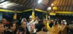 Massa dan Parpol Pendukung Mantra-Kerta Gelar Nobar Final Piala Presiden