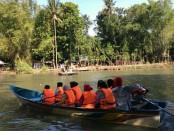 Wahana wisata Taman Glugut di sepanjang Kali Opak dibuka pada 1 Januari 2018 ini, setiap hari tidak pernah sepi pengunjung - foto: Lanjar/koranjuri.com