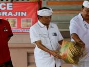 Calon Gubernur Bali I Wayan Koster ketika melakukan simakrama di Banjar Tanggahan Peken, Desa Sulahan Susut, Bangli, Sabtu, 24 Maret 2018 - foto: Istimewa