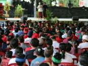 Ratusan warga dari 13 Desa di Kecamatan Kubutambahan, Buleleng, dimenyatakan kebulatan tekad mendukung, memenangkan dan memilih Koster-Ace pada Pilkada serentak mendatang - foto: Istimewa