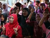 Ratusan warga Desa Air Kuning, Kecamatan Jembrana mengikuti kampanye dialogis Koster - foto: Istimewa