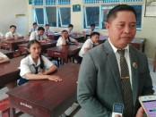 Kepala SMP PGRI 1 Denpasar, I Nengah Sukama - foto: Koranjuri.com