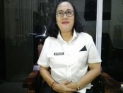 Kepala SMA Negeri 7 Denpasar,  Cokorda Istri Mirah Kusuma Widiawati - foto: Koranjuri.com