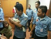 Bayi perempuan naas yang ditemukan di kardus bawah gerobak sampah kini dirawat Dinas Sosial Jakarta Barat - foto: Bob/Koranjuri.com