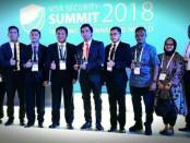 Subdit III Resmob Ditreskrimum Polda Metro Jaya menerima penghargaan Law Enforcement Award 2018. Penghargaan diberikan di Swisshotel The Stamford Singapura pada Kamis (17/5/2018) - foto: Istimewa