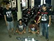 Kedua tersangka, TA (38), warga Tersobo, Prembun dan WA (25), warga Desa Ungaran, Kutowinangun, diamankan bersama barang bukti - foto: Sujono/Koranjuri.com