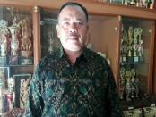 Kepala SMA Dwijendra, Made Oka Antara - foto: Koranjuri.com